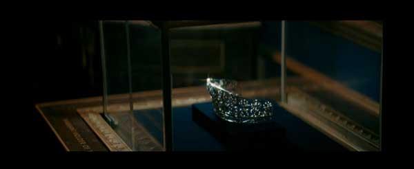 唐嫣的纠结:女王or王后?莱绅通灵王室珠宝微电影洞察当代女性的爱与生活